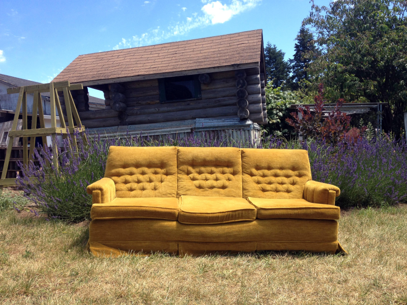SO That 70s Couch 9